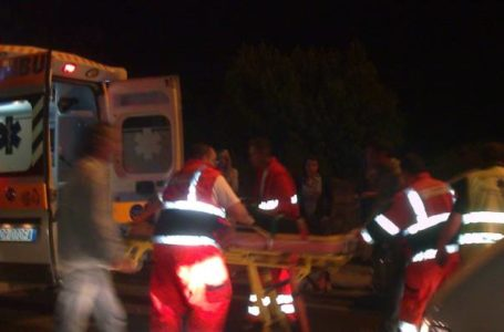 Olvevano: auto sbanda e si ribalta finendo fuori strada, grave 43enne di Battipaglia