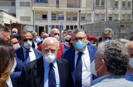 """Riapre l'ospedale di Agropoli. De Luca: """"Reparti dove c'erano le catene"""""""